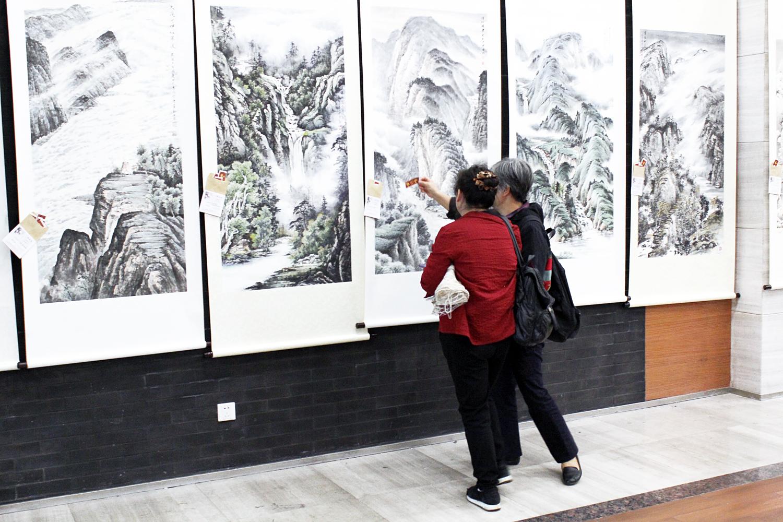 第八届中国西部收藏文化交流艺术节在成都锦绣工场古玩城开幕