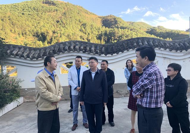 四川省民政厅厅长益西达瓦在凉山调研