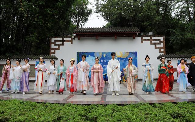 """""""薛涛""""携菖蒲邀你在望江楼公园过一个竹味儿浓浓的端午节"""